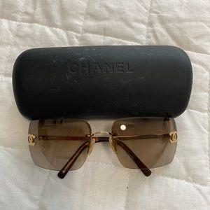 CHANEL Vintage Aviator Sunglasses